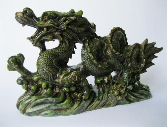 Velký zelený drak s perlou